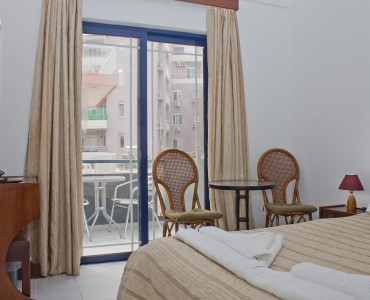 double-bed-room-city-view-0002