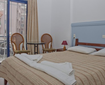 double-bed-room-city-view-0004